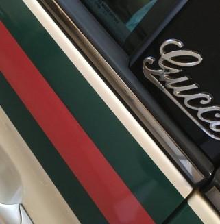 Faixas Gucci em Fiat 500